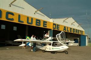 Talhamarzinho em frente ao Aeroclube de Alegrete