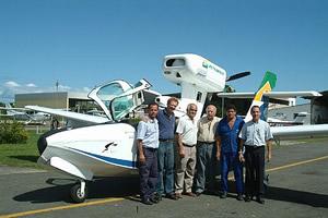 Sr. Gildo e a solidária equipe da BATA, Bahia Táxi Aéreo, em Salvador.