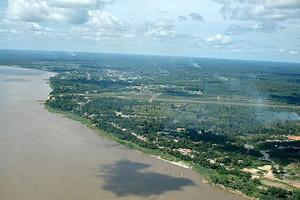 Chegada em Tabatinga, no Solimões, com Letícia (Colômbia) colada ao lado