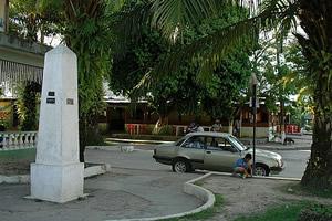 Praça, Tabatinga-Brasil, pra lá, Letícia-Colômbia