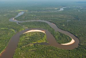 Rio Guaporé, na época das chuvas. Foto Margi Moss