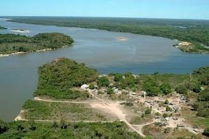 Aldeia Karajá na confluência dos rios Tapirapé e Araguaia - Foto: Margi Moss