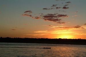 Pôr-do-sol no Araguaia, Aruanã-GO. Foto: Margi Moss