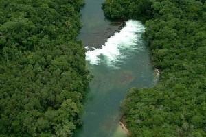 13/11/2003 - Cachoeira no transparente rio Juruena, MT - Foto: Margi Moss